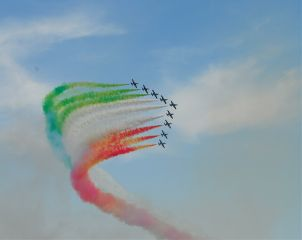 airplane frecce tricolore summer travel emotions
